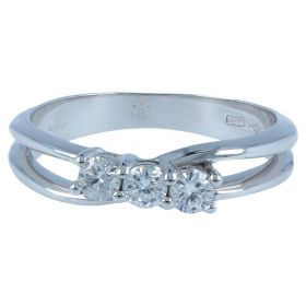 White gold trilogy ring with 0.34ct diamonds | Gioiello Italiano
