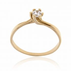 Yellow gold solitaire ring with cubic zirconia stone