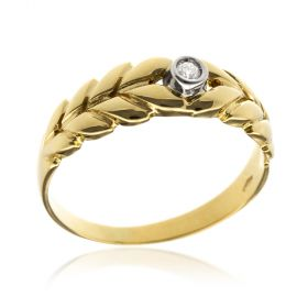 Yellow gold ring with brilliant-cut diamond