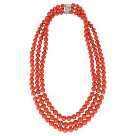 Necklace in red coral, 18kt white gold and diamonds | Gioiello Italiano