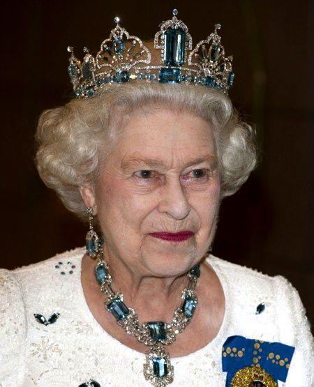 Tiara Acquamarina Elisabetta II